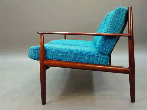Upholstery inspiration for my Danish Modern chair which is desperately in need of new cushions. (and not worth of photographing).