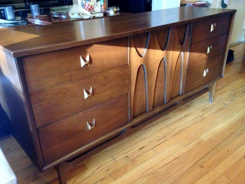 Our new (old) entertainment center, Mid 60s walnut Broyhill Brasilia dresser/credenza... Score!