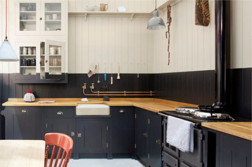 British Standard Kitchens [UK], Black and White Fabulocity!