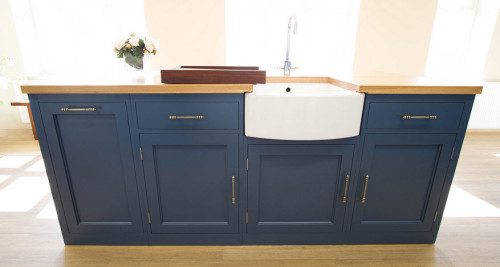 Naked Kitchens [UK], Stiffkey Blue island sink and counter