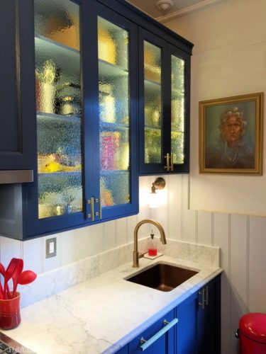 The magazine worthy shot. The outside light on the Stiffkey Blue cabinets is so pretty and changes tone throughout the day.